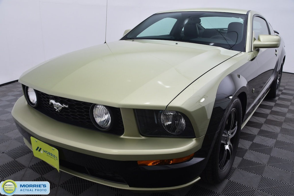 Pre-Owned 2005 Ford Mustang 2dr Coupe GT Deluxe